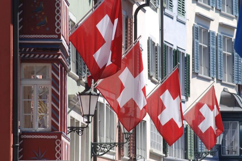 La rappresentazione degli stranieri in Canton Ticino e in Svizzera